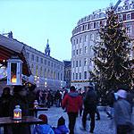 Romantischer Weihnachtsmarkt Anno 1900 auf dem Neumarkt in Dresden